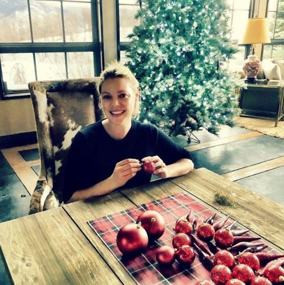 Es ist die wundervollste Zeit des Jahres - postet Schauspielerin Katherine Heigl zu diesem besinnlichen Foto.