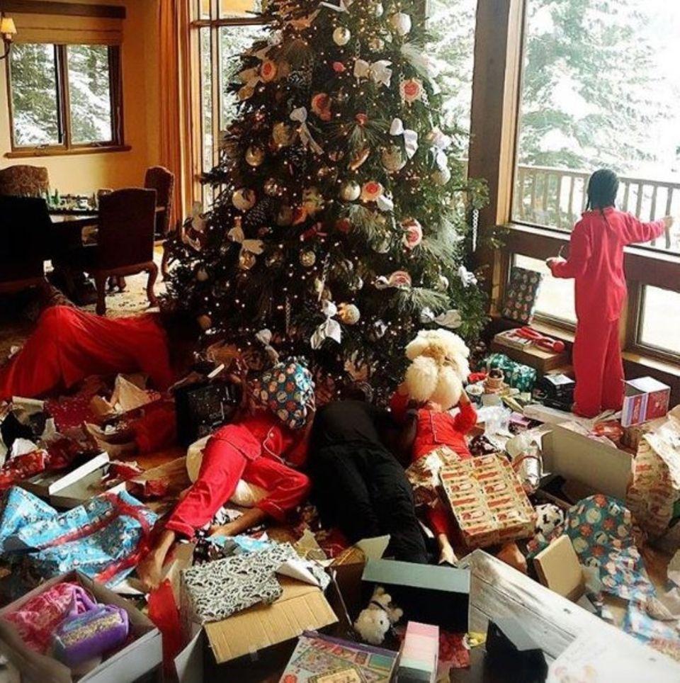 Heidi Klum, Seal und die Kids wurden von einer riesigen Geschenkelawine überrollt.