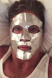 David Hasselhoff möchte offensichtlich mit einem besonders frischen Teint ins neue Jahr starten.