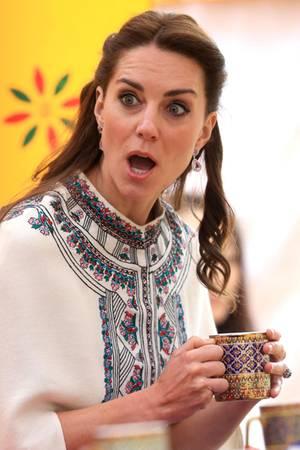 Selbst der sonst immer gut gelaunten Herzogin Catherine entgleiten die Gesichtszüge gelegentlich - dann aber richtig!
