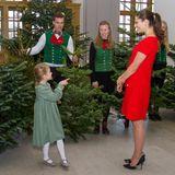 14. Dezember 2016  Das waird unser Baum! Estelle hat die Wahl getroffen.