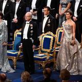 Ehe die Verleihung beginnt, erklingt die Nationalhymne.
