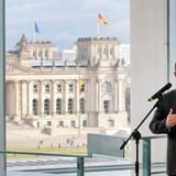 Oktober: König Abdullah  König Abdullah und Bundeskanzlerin Angela Merkel haben sich im Kanzleramt getroffen.
