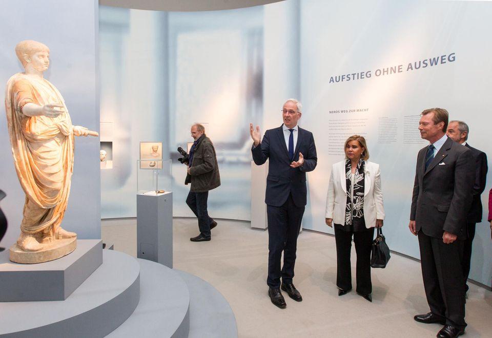 """Oktober: Großherzog Henri und Großherzogin Maria Teresa  Luxemburgs Großherzogspaar kommt nach Trier in Rheinische Museum zur Ausstellung """"Nero - Kauser, Künstler und Tyrann""""."""