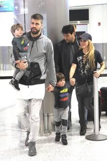 19. Dezember 2016   Shakira und ihr Fußballer-Gatte Gerard Piqué sind für einen Urlaub mit ihren Kindern in Miami gelandet.