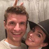 1. Januar 2017  Fußballstar Thomas Müller und seine Lisa freuen sich auf ein weiteres gemeinsames Jahr.