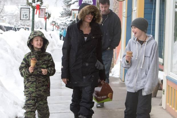 Knox Jolie-Pitt, Angelina Jolie, Shiloh Jolie-Pitt