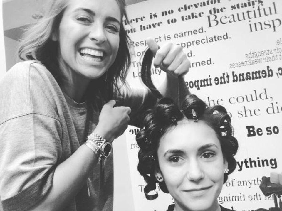 17. Januar 2017  An der Haarpracht Nina Dobrevs zu werkeln, scheint besondere Glücksgefühle freizusetzen.