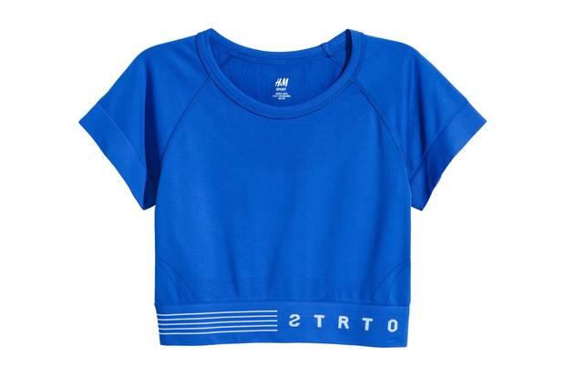 Für die Motivation: T-Shirt in Dunkelblau von H&M, ca. 14 Euro