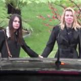 Courtney Love und ihre Tochter Frances Bean Cobain geben sich gegenseitig Kraft.
