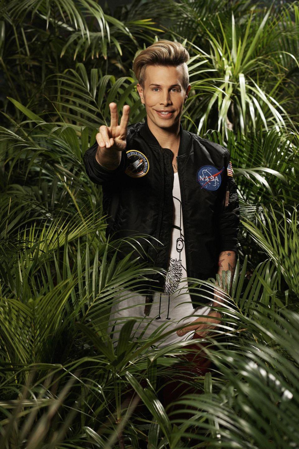 """It-Boy Florian Wess   Er ist ein Multitalent, Designer, Sänger, Stammgast in Talk- und Reality-Shows, wie """"Big Brother"""" und ist mit Stars wie Pamela Anderson und Paris Hilton befereundet. Bei """"Ich bin ein Star – Holt mich hier raus"""" 2017 möchte It-Boy Florian Wess beweisen, dass er es auch mit den Gefahren des australischen Dschungels aufnehmen kann."""