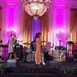 Solage Knowles sorgt für die musikalische Untermalung.