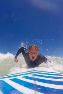"""Hier kommt Samu! """"Sunrise Avenue""""-Frontmann Samu Haber macht seinem Surferboyimage alle Ehre."""