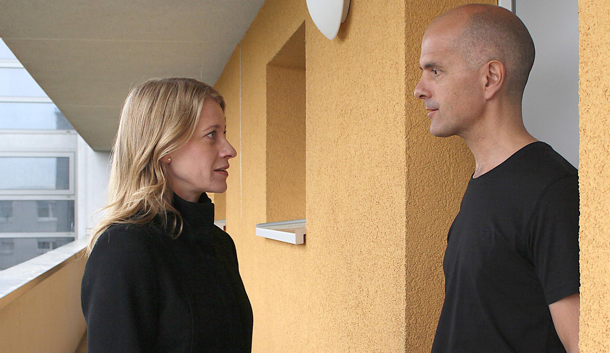 """Caroline Peters ist Ensemble-Mitglied am Wiener Burgtheater, dreht aber auch viel fürs Fernsehen. Im Thriller """"Kalt ist die Angst"""" spielt sie neben Christoph Maria Herbst (Das Erste, Sa., 14. 1., 20.15 Uhr)"""