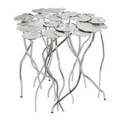 """Schimmernder Luxus: Beistelltisch """"Lily Pad"""" aus Nickel (Michael Aram, ca. 2.830 Euro)"""