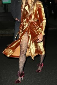 """Samt feiert aktuell zwar sein Comeback, mit diesem Outfit hat es """"Vampire Diaries""""-Star Kat Graham allerdings etwas übertrieben. Weniger ist eben manchmal einfach mehr..."""