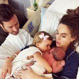 Armie und Elizabeth Hammer heißen ihr zweites Kind willkommen: Die kleine Harper hat nun ein Brüderchen. Den Namen ihres Neugeborenen haben die Hammers aber noch nicht bekanntgegeben.