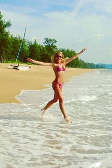 Erkennen Sie diese durchtrainierte Bikini-Schönheit? TV-Moderatorin Sony Kraus urlaubt aktuell in Thailand und beweist, dass man mit 43 den Körper einer Zwanzigjährigen haben kann. Zum neidisch werden!