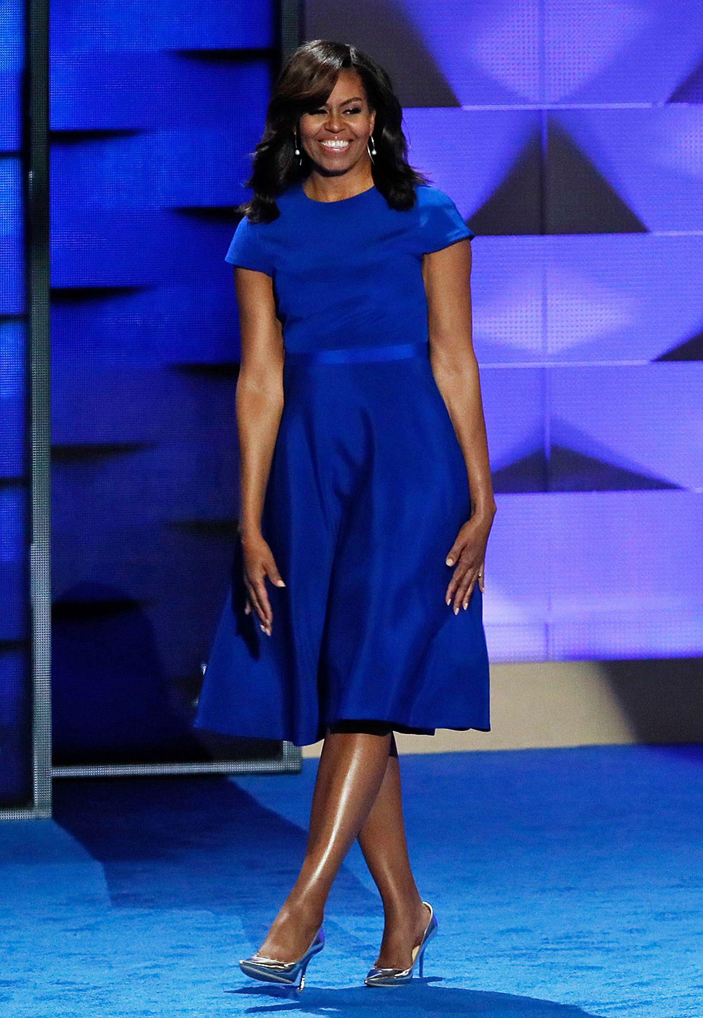 Bei der Democratic National Convention im Juli 2016 in Philadelphia zeigte sich Michelle Obama in kraftvollen Blau.