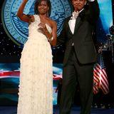 Beim Inauguration Ball 2009 bezauberte die frischgebackene First Lady Michelle Obama im diesem traumhaften weißen Ballkleid.