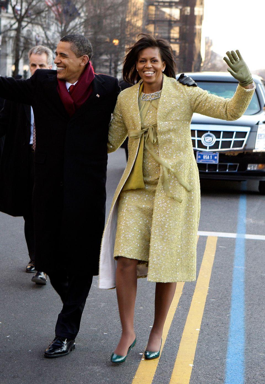 Beim Inauguration Day am 20. Januar 2009 überstrahlt die neue First Michelle Obama im blassgelben, glamourösen Retro-Ensemble alle.