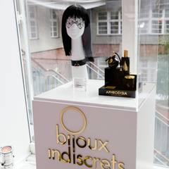Sexy Geheimnisse und verführerisches Spielzeug für intime Stunden wurden vom Lifestyle- und Erotikshop Amorelie präsentiert.