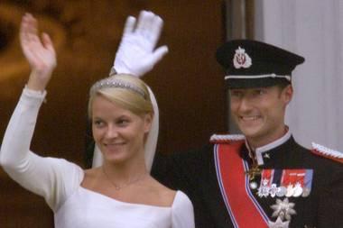 Prinzessin Mette-Marit, Prinz Haakon, Marius am Tag der Hochzeit, dem 25.08.2001