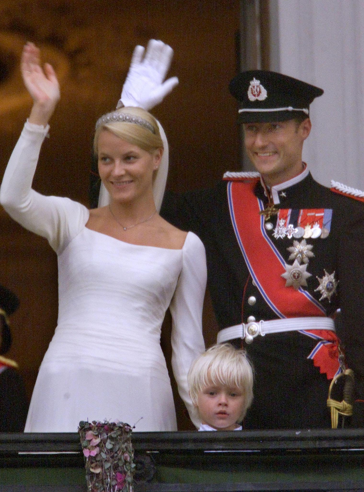 Prinzessin Mette Marit Prinz Haakon Ihre Hochzeit Im Video Gala De