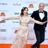Hilfe, ich faaalle! Mit dieser dramatischen Sturzeinlage beim Filmball in München würde Victoria Lauterbach jedes Theater glücklich machen...