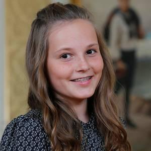 21. Januar 2016  Prinzessin Ingrid Alexandra wird 13 Jahre alt! Zu diesem Anlass gibt es neue Bilder von ihr, wo sie sich lächelnd und mit Zahnspange zeigt.