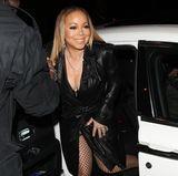 Beim Aussteigen aus dem Auto versucht Mariah noch ein Mode-Malheur zu verhindern, aber dann passiert es ihr doch wieder ...
