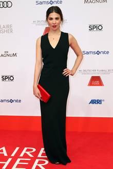 Schlicht und Schwarz: Ein bisschen mehr Glamour hätte Aylin Tezel aber schon zu Gesicht gestanden.