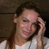 Gina-Lisa Lohfink zeigt sich im RTL Dschungelcamp komplett ungeschminkt... Und sieht toll aus! Ohne schichtenweise Make-up strahlt die klare Haut des jungen TV-Sternchens mit ihren blauen Augen um die Wette.