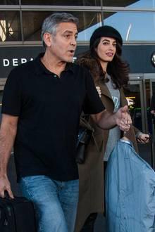 """George Clooney und Amal Clooney unterwegs am Flughafen """"LAX"""" in Los Angeles."""