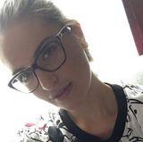 Fern von all dem Misswahl-Trubel ist die Jura-Studentin Siera Bearchell viel natürlicher unterwegs. Wenn sie in die Universität geht, setzt sie sich ihre Nerd-Brille auf und büffelt, was das Zeug hält.