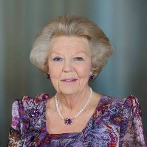 Gefeliciteerd met je verjaardag!Ihre Königliche Hoheit Prinzessin Beatrix der Niederlande feiert ihren79. Geburtstag. Zum Ehrentag veröffentlicht das Königshaus dieses Portrait von der ehemaligen Königin des Landes.