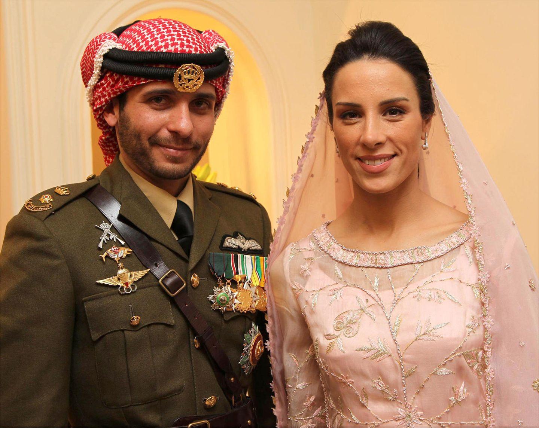 2012 wird in Jordanien die zweite Hochzeit von Prinz Hamzah gefeiert. Mit Prinzessin Basmah hat der Sohn von König Hussein drei Töchter.