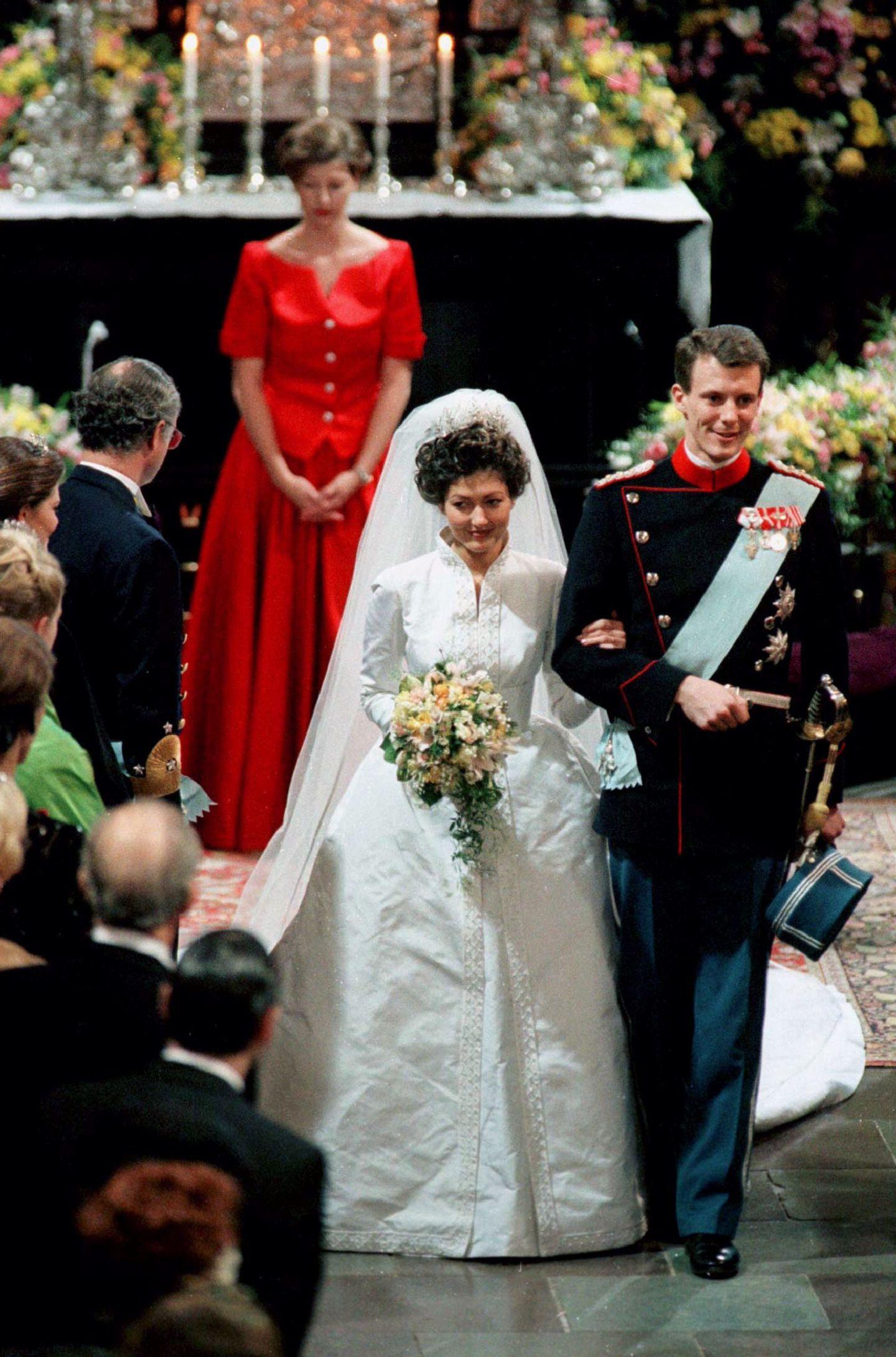 Alexandra Manley aus Hongkong ist die Prinzessin, von der die Dänen immer geträumt hatten. Prinz Joachim führt sie 1995 vor den Traualtar. Der zweite Sohn von Königin Margrethe und Prinz Henrik heiratet sogar noch vor seinem älteren Bruder.