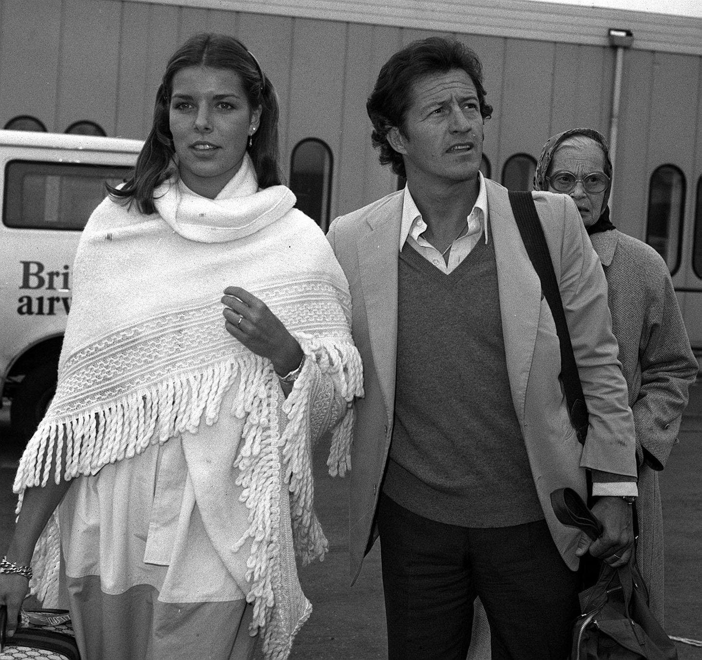 Über Philippe Junot lästerte die ganze Welt: Doch Prinzessin Caroline von Monaco lässt sich nicht davon abbringen und heiratet ihn 1978 - trotz seines Rufs als Playboy und Lebemann.  Die Ehe geht schief - schon zwei Jahre nach der Hochzeit lässt Caroline sich scheiden. Später wird die Ehe von der katholischen Kirche für ungültig erklärt.