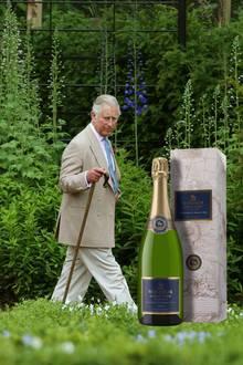 """Einmal königlich trinken ist nun möglich. Im """"Windsor Great Park"""" in Sussex hat Queen Elizabeth den Weinanbau gestattet. Unter der Leitung von Prinz Charles werden seit 2013 kleine Editionen zum Verkauf angeboten."""