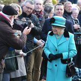 """5. Februar 2017: Mit einem privaten Gottesdienst, einen Tag vor ihrem 65. Thronjubiläum, feiert die Queen diesen besonderen Tag.  Den 6. Februar, den eigentlichen """"Accession Day"""", wird sie in aller Stille begehen. Denn ihr Thronjubiläum ist immer auch der Todestag ihres geliebten Vaters, George VI."""