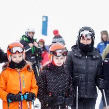 Spanische Königsfamilie im Skiort Astun