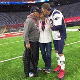 """Sandwich-Kuss für Mama"" - postet Tom Brady."
