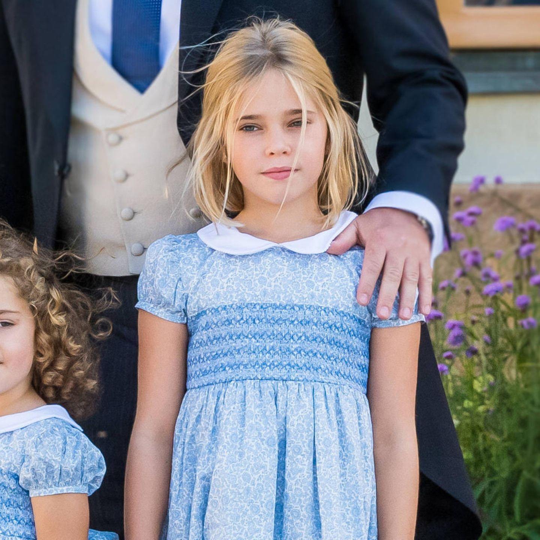 Gemeinsam mit ihrer Mutter Madeleine entdeckt Prinzessin Leonore London. Dort lebt Madeleine mit Ehemann Chris O'Neill und den beiden Kindern Leonore und Nicolas. Immer wieder teilt die Prinzessin süße Schnappschüsse wie diesen auf Facebook.