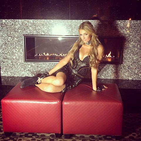 Paris Hilton: Neue Brüste oder nur geschummelt?