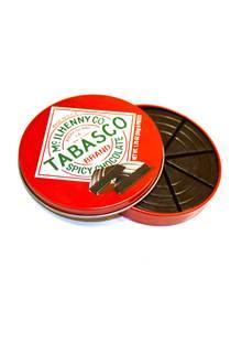"""Vorsicht, scharf! """"Tabasco Spicy Dark Chocolate"""" in schmucker Dose. McIlhenny, 50 g, ca. 7,70 Euro, greatbritishfood.de"""