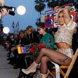 Lady Gaga weiß auch in der Frontrow ganz genau, wie sie sich präsentieren muss