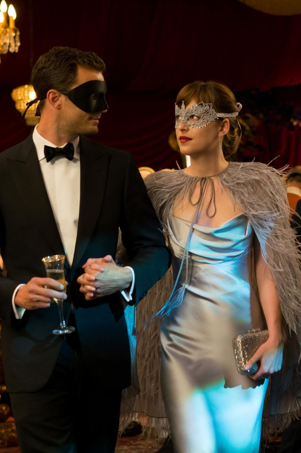 "Jamie Dornan, Dakota Johnson in ""50 Shades of Grey - Gefährliche Liebe"""