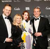 Jens Huwald (Geschäftsführer Bayern Tourismus Marketing), Astrid Bleeker (Director Brand Solutions GALA), Schauspielerin Julia Malik und Dr. Manuel Becher (Geschäftsführer von Bayreuth Touristik) posieren gemeinsam für ein Erinnerungsfoto.