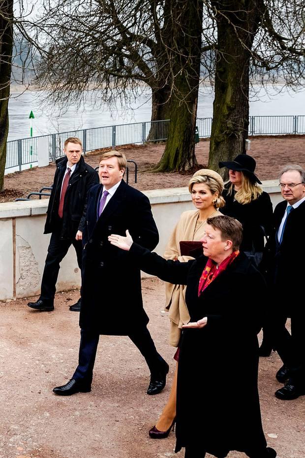 10. Februar 2017  Aber geht es an die Elbe - und Máxima muss mit. Es geht um das Thema Hochwasserschutz im Kornhaus bei Dessau.